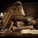 libri con candelabro